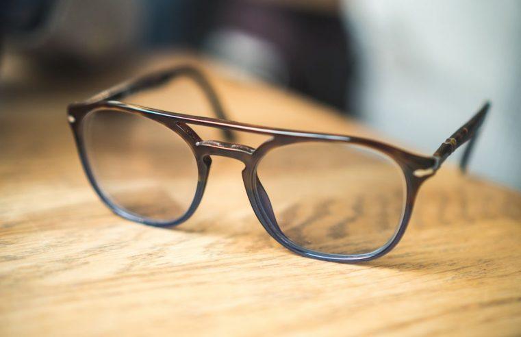 Jak prawidłowo zakupić okulary online?
